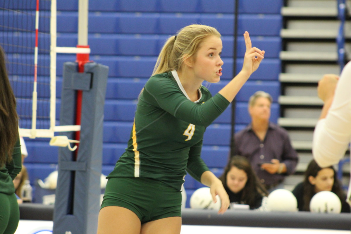 Volleyball Loudoun Valley Outside Danielle Conover Commits To Di Tampa